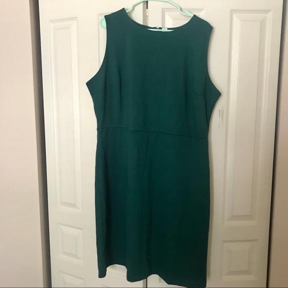 Old Navy Dresses & Skirts - NWT Old Navy Sleeveless Ponte-Knit Sheath Dress